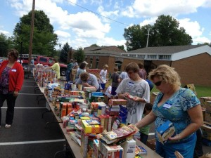 AHCC members offering a Mobile Pantry in the AHCC parking lot to those in need in our community